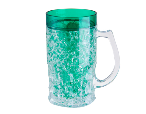 The shape of the beer mug affects the position of the grip